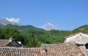 Blick auf den Gran Sasso d'Italia vom Hotel Art'é  Zum Vergrößern: Klick auf das Foto