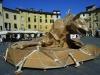 Lucca. Papierkunst auf dem Amphitheater-Platz