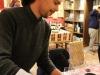 romanelli-devis-bereitet-die-weinprobe-mit-montefalco-sagrantino-docg-2009-vor