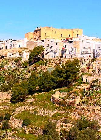 Aussicht auf die Altstadt von Palagianello