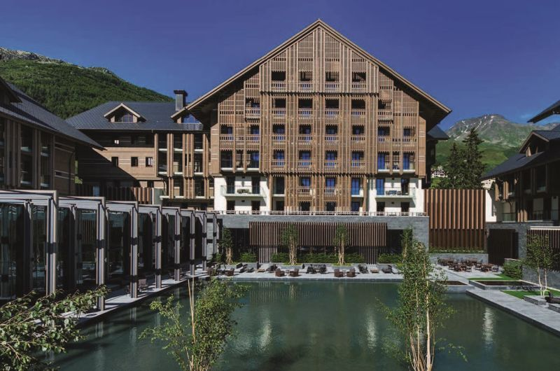 """The Chedi Andermatt """", Schweizer Luxus auf der"""" Essence of Luxury Travel 2018 """""""