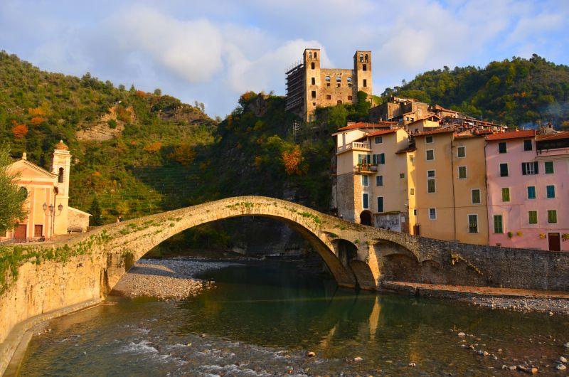 Dolceacqua in Ligurien: Zauber aus Stein