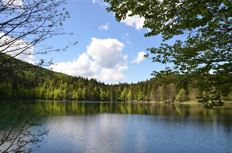Die Weißenfelser Seen (Laghi di Fusine), zwei in die Julischen Alpen eingefügte Smaragde
