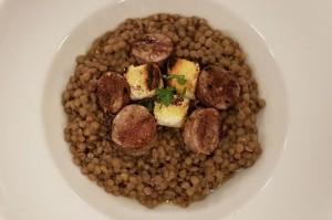 Die lenticchie mit salsiccia