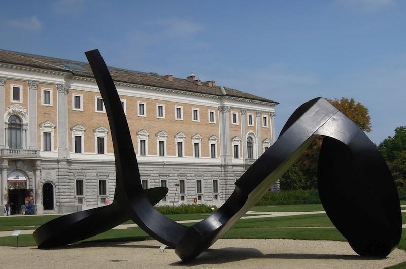 Gärten und Innenhöfe: zeitgenössische Kunst als Fremdenführer
