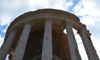 Vesta und Tiburno Tempel